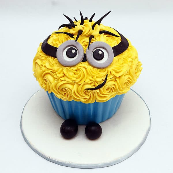 Minion cream top fondant base